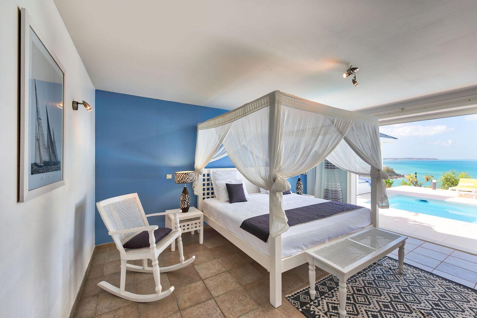 Blue Sailing Villa