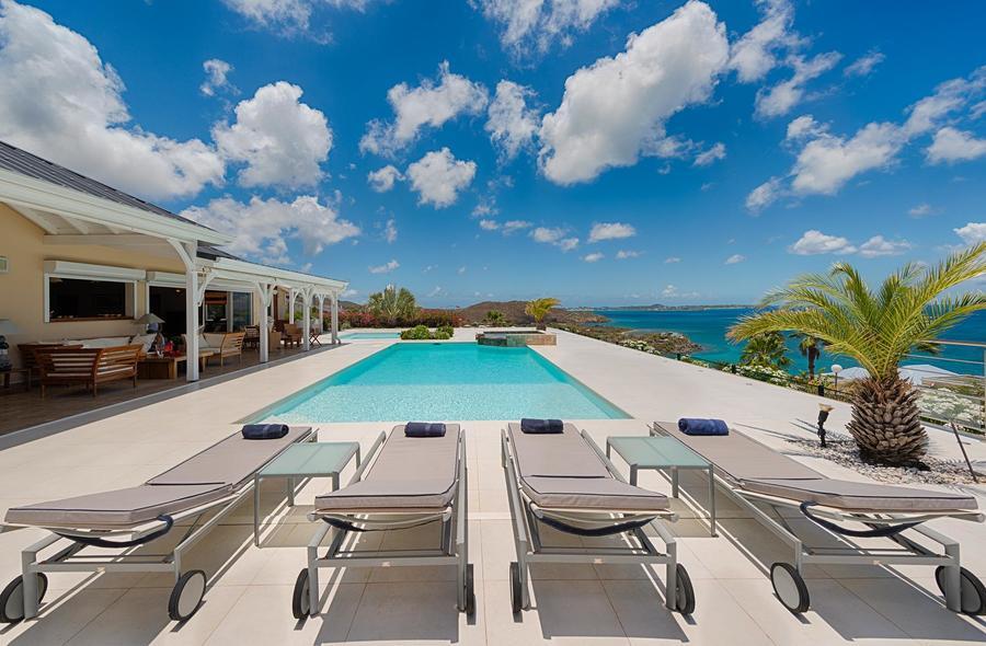 Dreamin Blue Villa