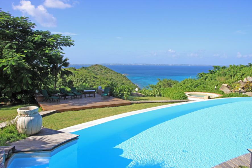 Caye Blanche Villa